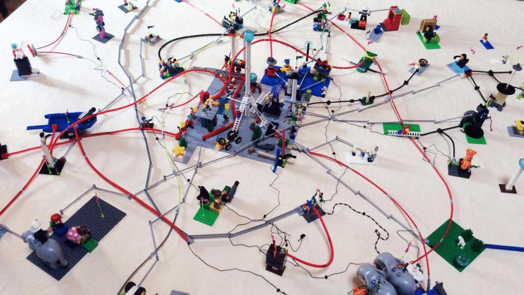 Teambuildung? Strategieentwickung? Produktanforderungen? - Lego Serious Play hilft spielerisch und nachhaltig - Consilex AG, Bern, Schweiz